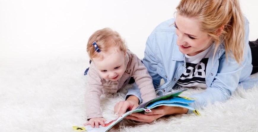 Bebisiterka za čuvanje dece - kako izabrati pouzdanu?